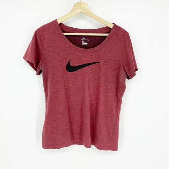 Nike Dri Fit T-Shirt Red The Nike Tee Maroon, M